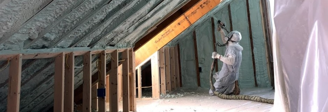 vermont foam insulation contractor applies spray foam
